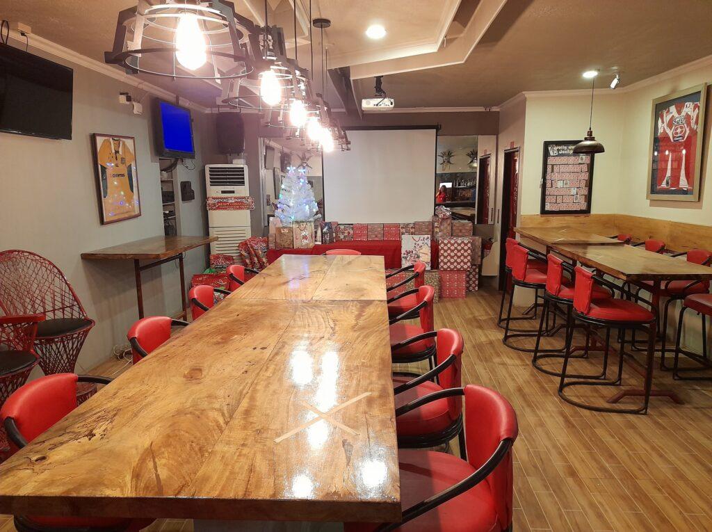 Arizona Subic Bay Hotel and Resort-Redz Pub